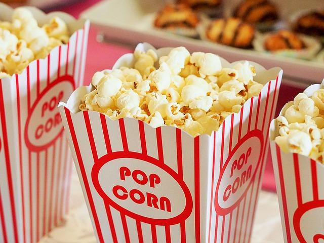 סרט בבית בקולנוע